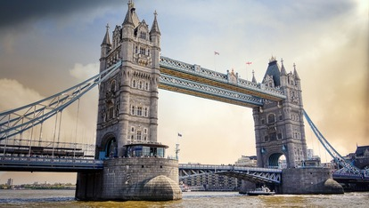 tower-bridge-2324875_1920.jpg